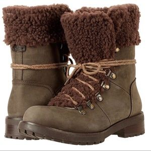 NWOB UGG Fraser leather and shearling brown boots